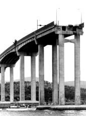 tasman-bridge-diaster.jpg
